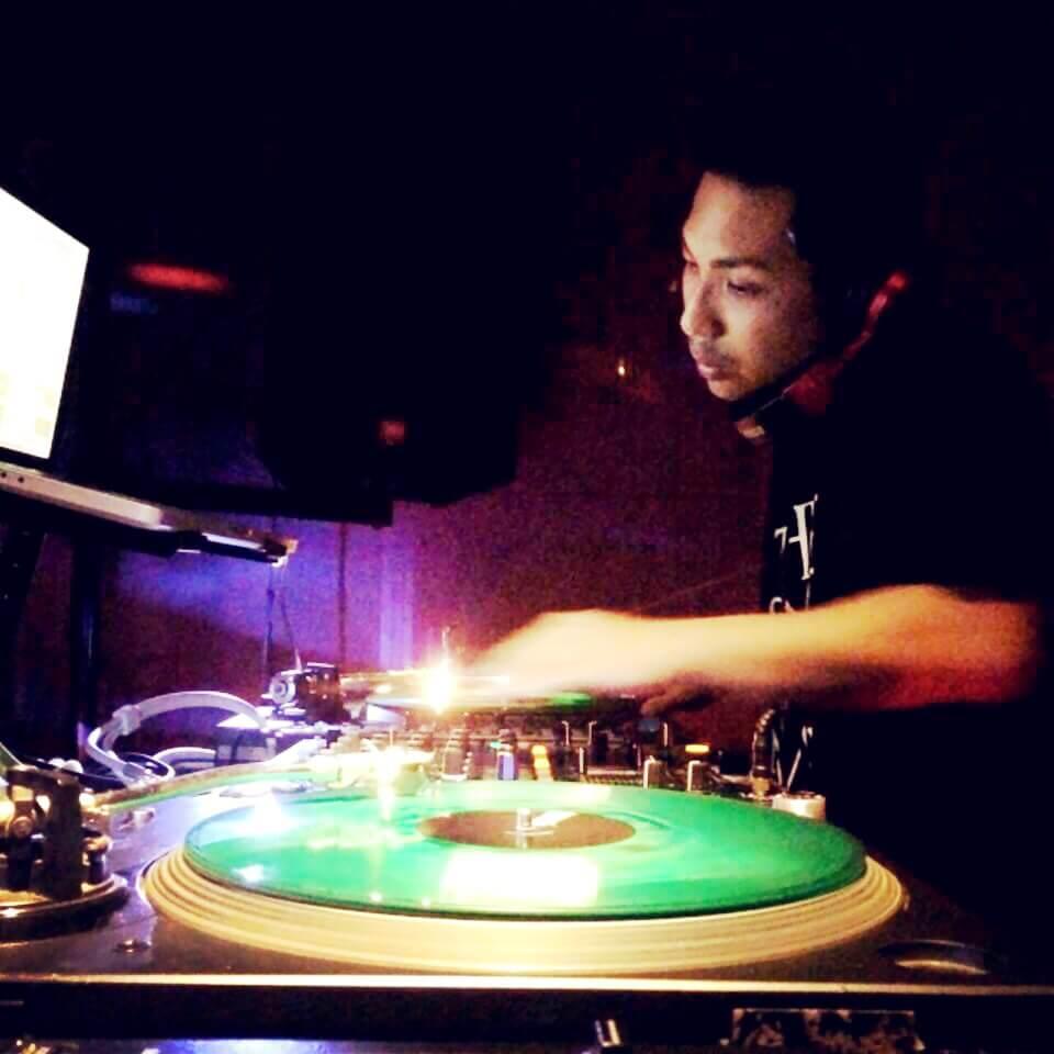 DJ YOUNG MO
